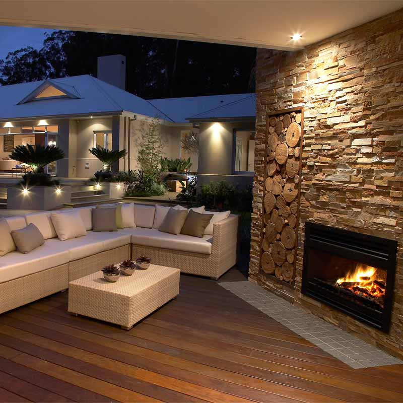 Outdoor heating outdoor fireplaces alfresco fires for Back to back indoor outdoor fireplace
